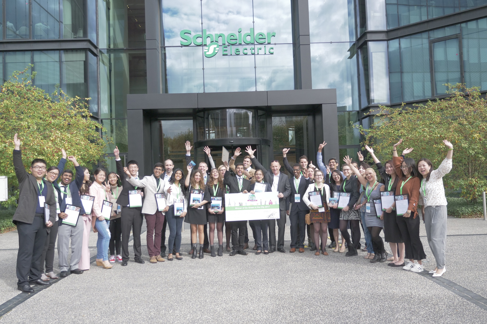 Schneider Electric launches student energy-innovation contest