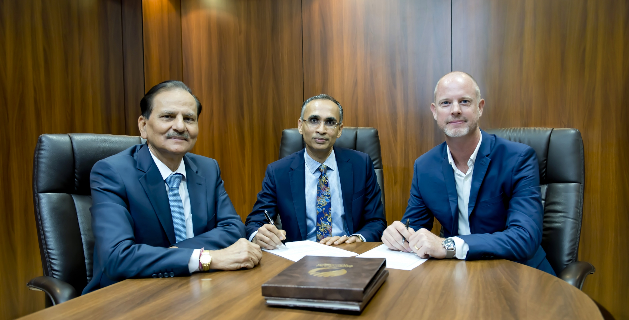 Al Shirawi signs deal with Oracle's Aconex